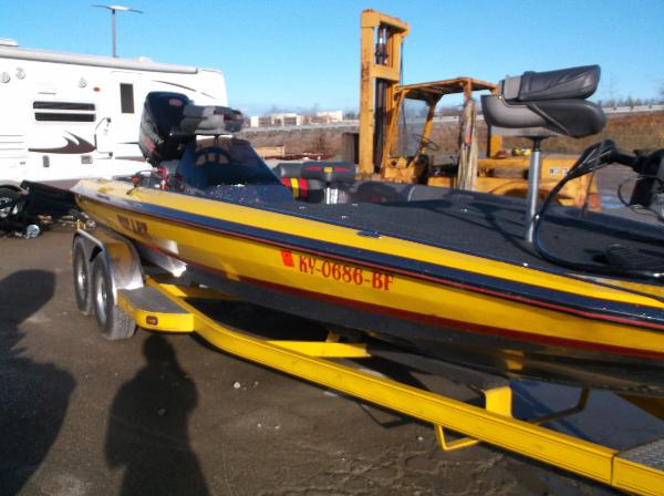For sale used 2014 bullet 21xrs in leitchfield kentucky for Buy bass boat without motor