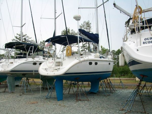 1997 Hunter 376 | Sailboats for Sale