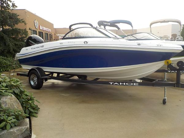 2019 Tahoe boat for sale, model of the boat is 550 TS & Image # 2 of 57