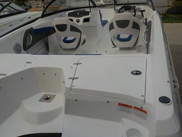 2019 Tahoe boat for sale, model of the boat is 550 TS & Image # 4 of 57