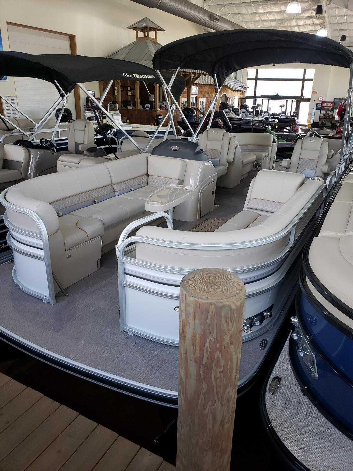2020 Ranger Boats boat for sale, model of the boat is RP243C w/150L 4S & Image # 1 of 50