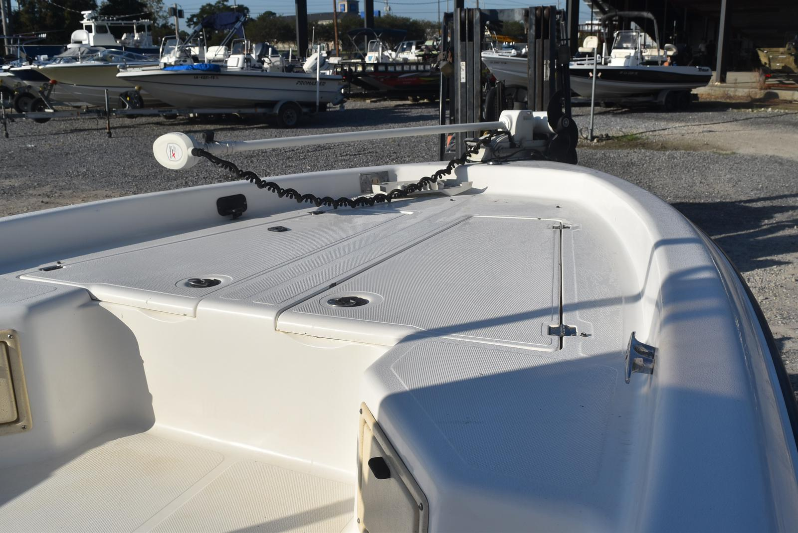 2000 Mako boat for sale, model of the boat is 2100 & Image # 3 of 9