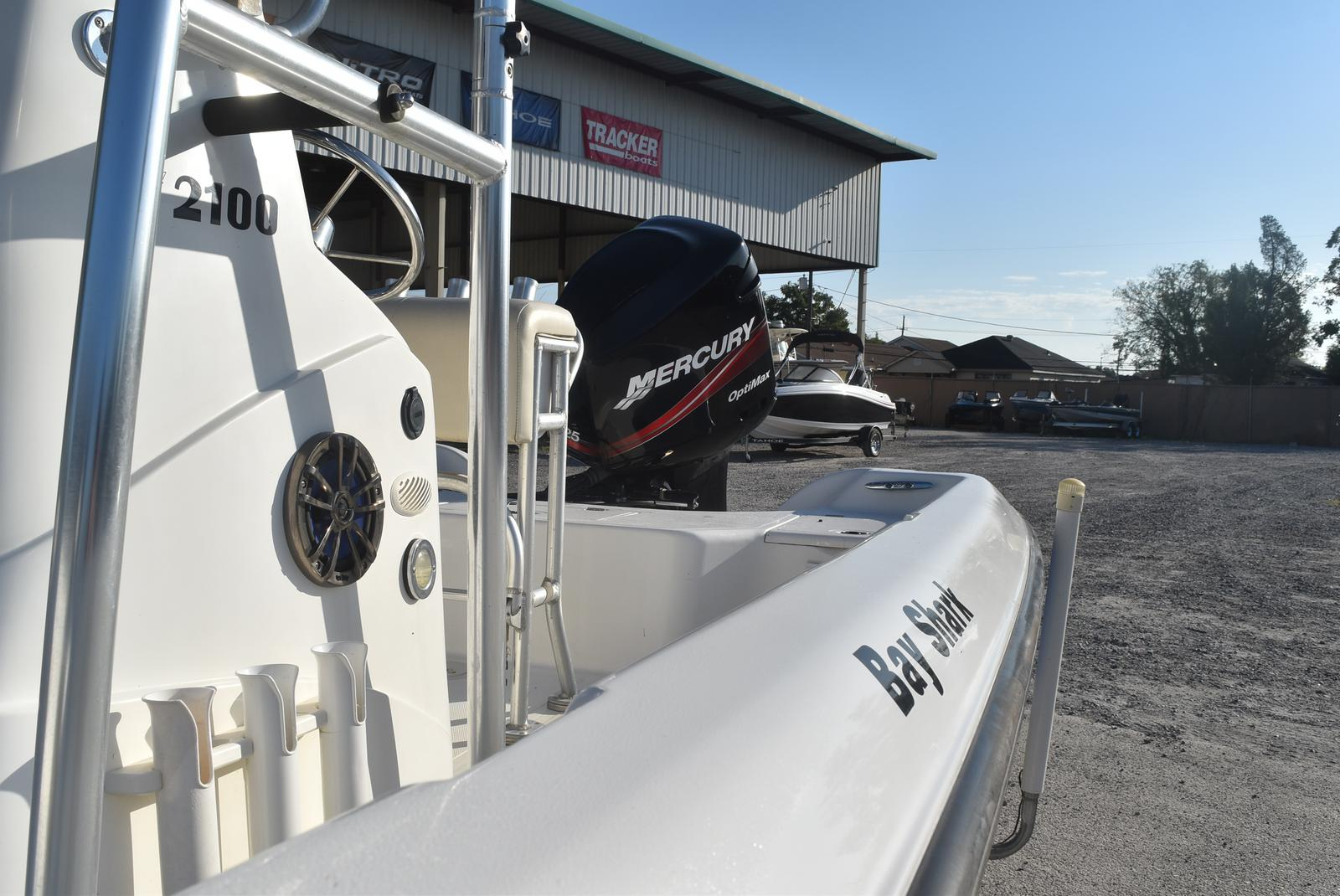 2000 Mako boat for sale, model of the boat is 2100 & Image # 9 of 9