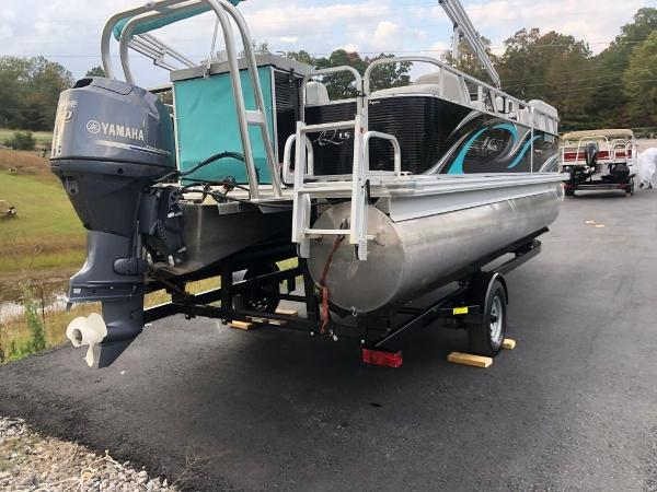2018 Qwest boat for sale, model of the boat is 821 RLS & Image # 3 of 25
