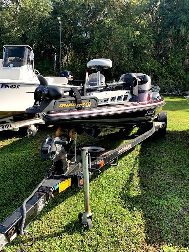 2004 Stratos boat for sale, model of the boat is 195 Pro XL & Image # 1 of 7