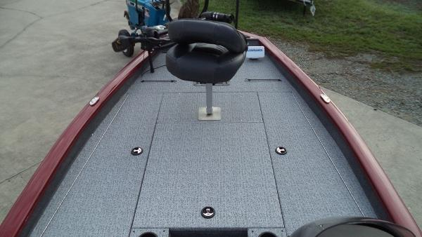 2020 Tracker Boats boat for sale, model of the boat is Pro Team 175 TXW Tournament Edition & Image # 5 of 10