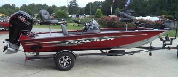 2020 Tracker Boats boat for sale, model of the boat is Pro Team 175 TXW Tournament Edition & Image # 6 of 10