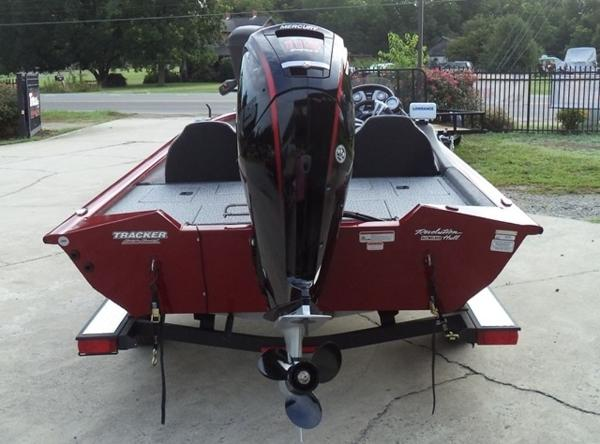 2020 Tracker Boats boat for sale, model of the boat is Pro Team 175 TXW Tournament Edition & Image # 7 of 10