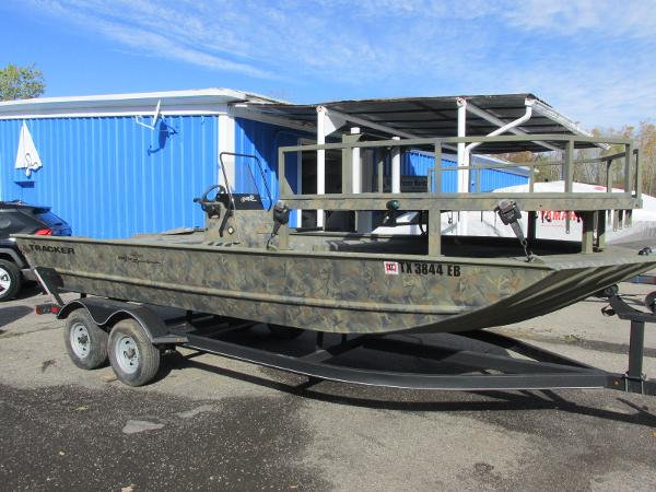 2017 Tracker Boats boat for sale, model of the boat is Grizzly 2072 CC Sportsman & Image # 2 of 27