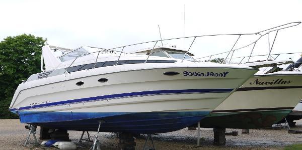 Bayliner 3055