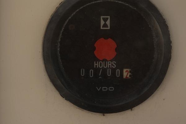 Engine Hours 700