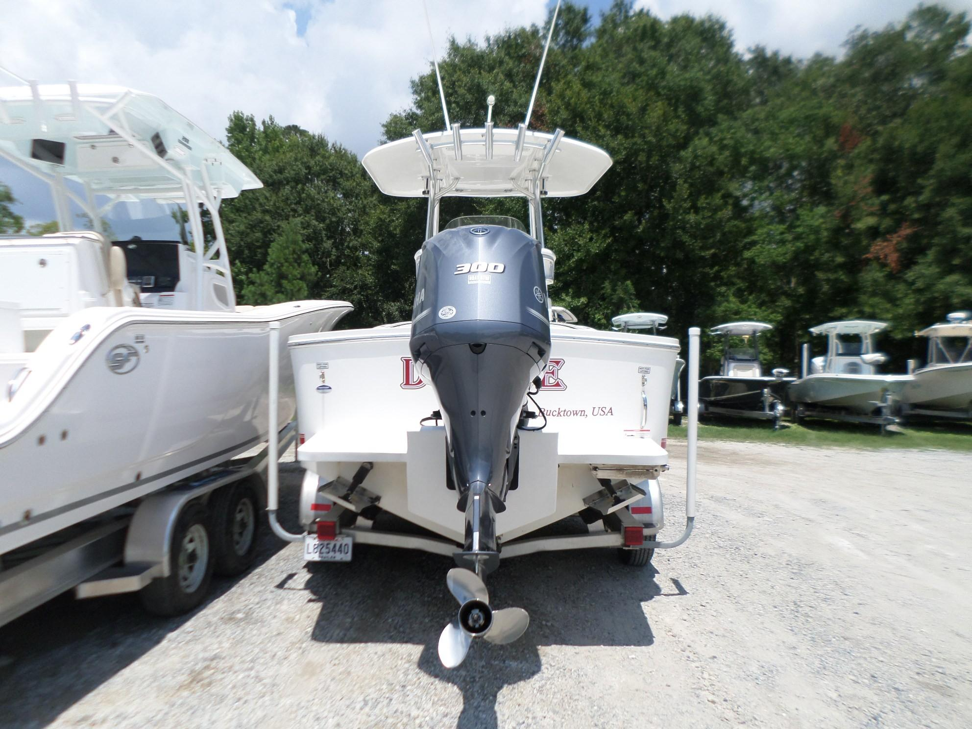 Used  2015 23' Regulator 23 Forward Seating Center Console in Slidell, Louisiana