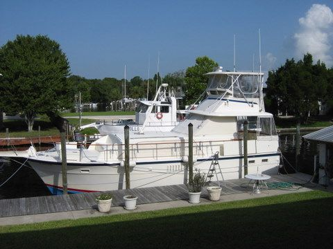 Hatteras Double Cabin Motor Yachts. Listing Number: M-3813236