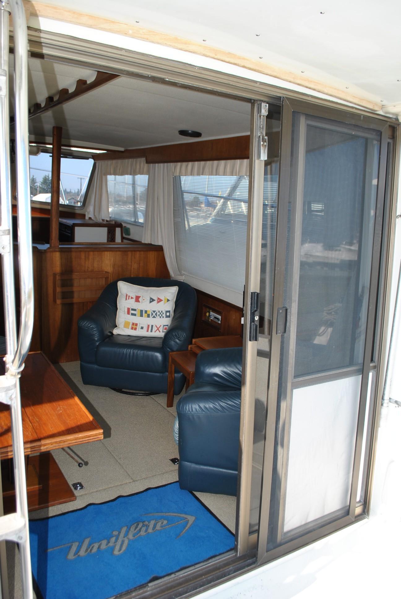 Uniflite 37 Coastal Cruiser