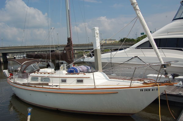 Pearson Centerboard Sloop Cruisers. Listing Number: M-3173247