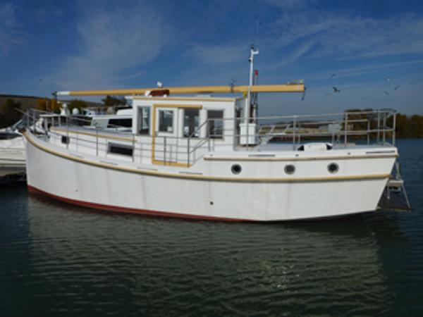 40 diesel trawler boat