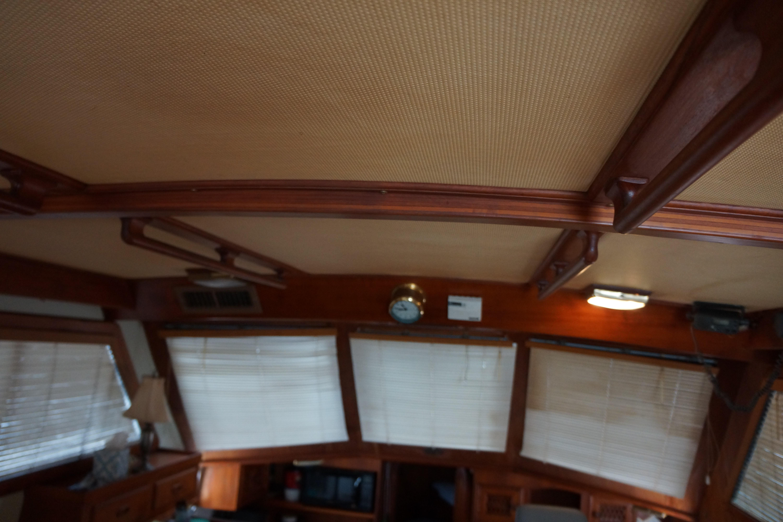 Marine Trader 43 LaBelle Trawler - main salon windows