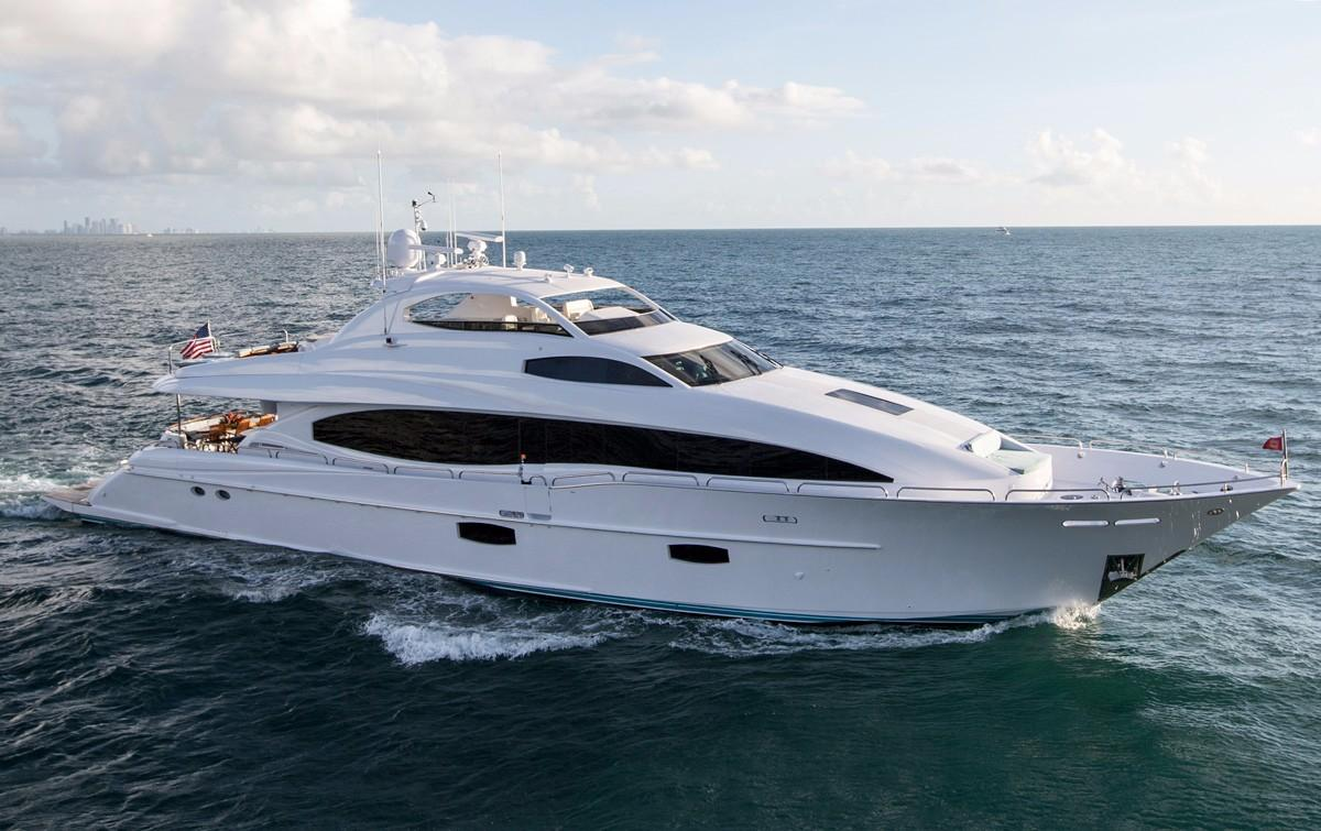 2008 lazzara motor yacht yacht for sale in palm beach fl for Palm beach motor yachts for sale