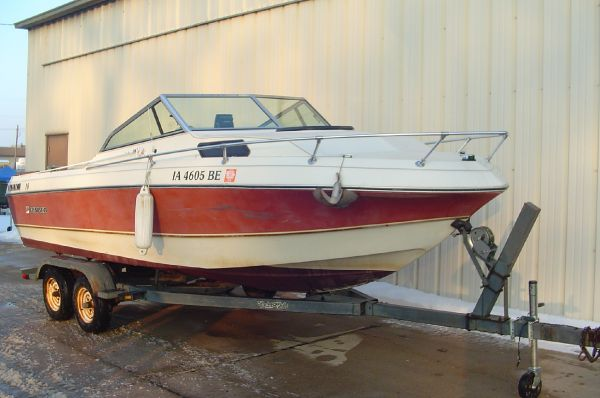1984 RINKER 205 CUDDY CABIN for sale