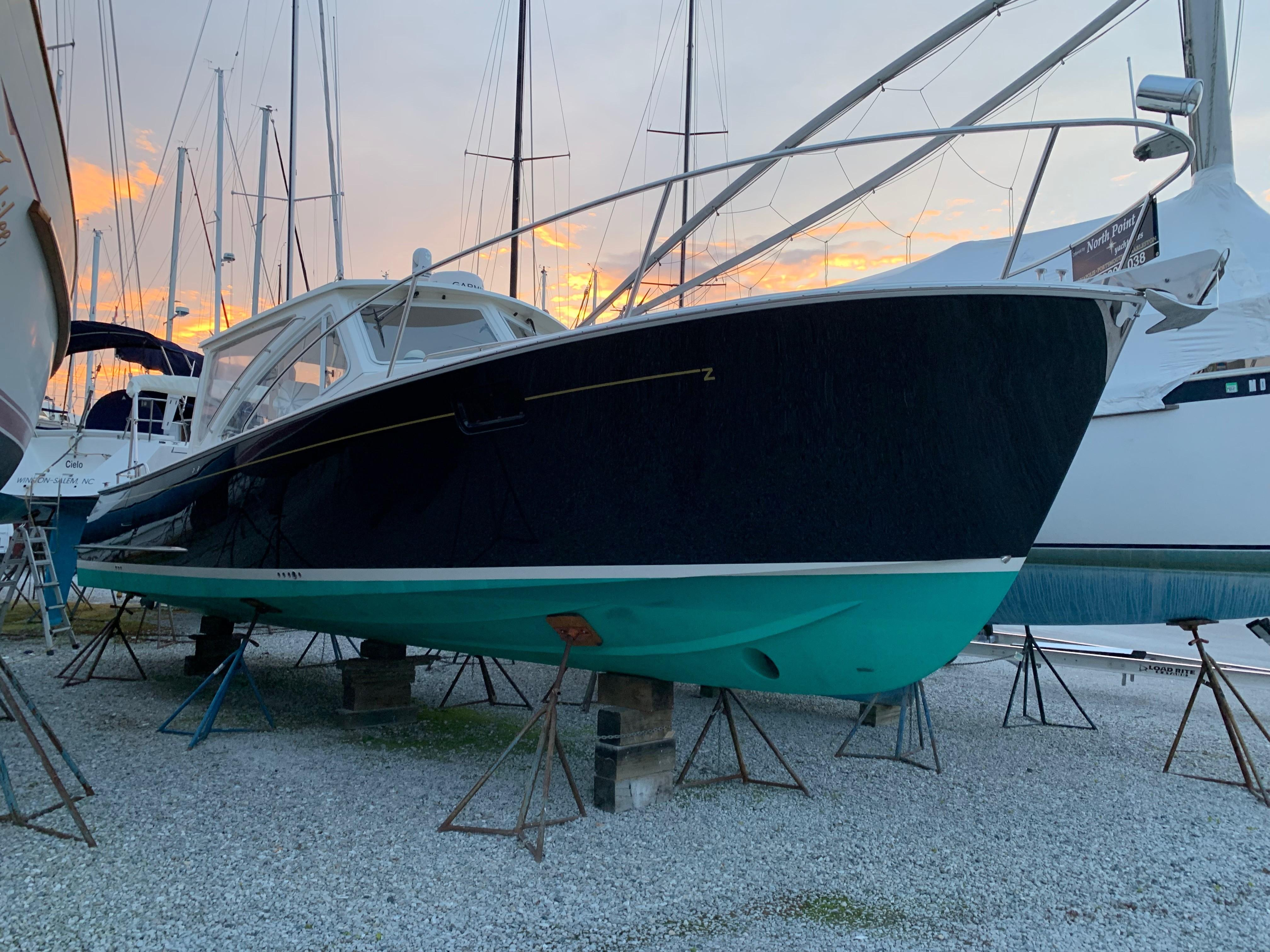 36' MJM Yachts 2011