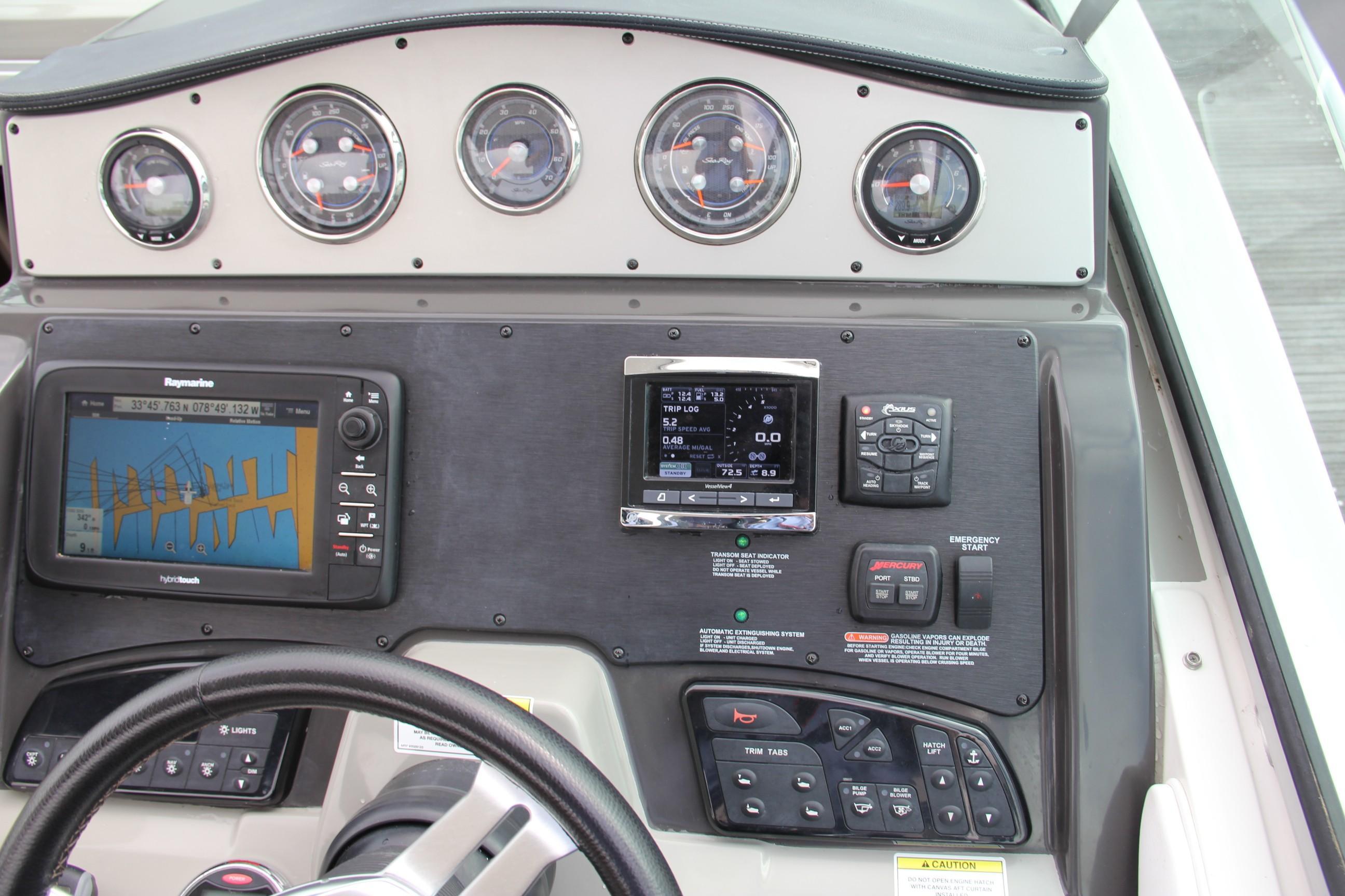 33 Sea Ray 2014 MYRTLE BEACH   Denison Yacht Sales