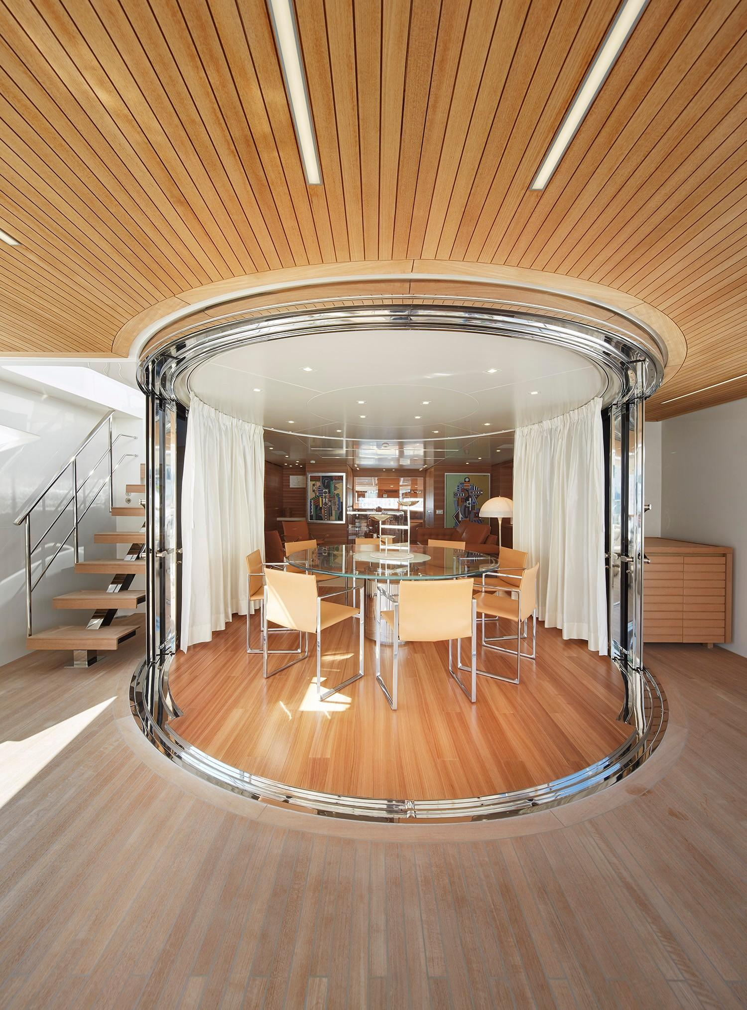 SD112 - Upper Deck Salon