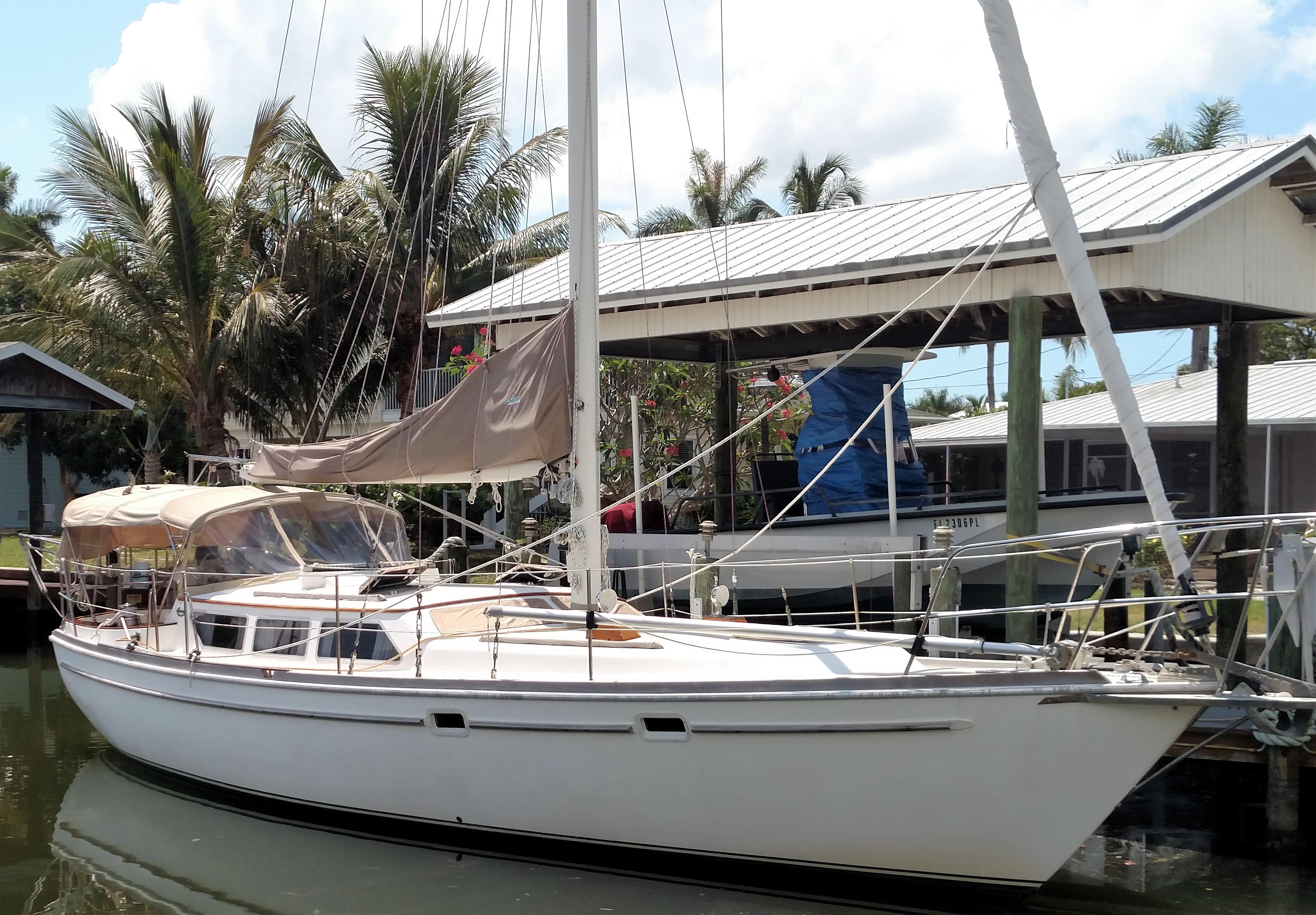 39' Gulfstar 1982 Sailmaster 39