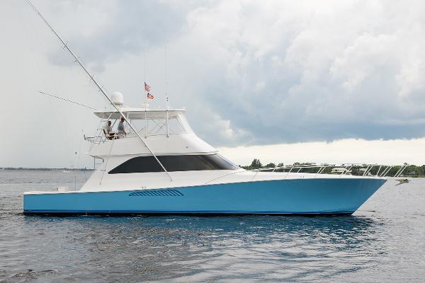2005 61' Viking Convertible