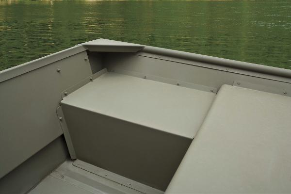 2015 Tracker Boats boat for sale, model of the boat is Topper 1542 LW Riveted Jon & Image # 6 of 12