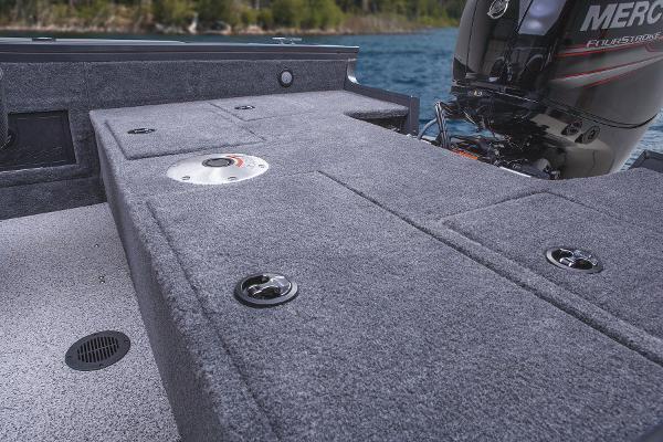 2015 Tracker Boats boat for sale, model of the boat is Targa V-18 WT & Image # 7 of 49
