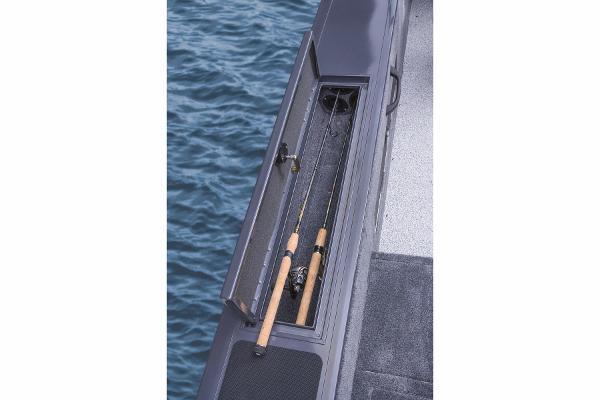 2015 Tracker Boats boat for sale, model of the boat is Targa V-18 WT & Image # 13 of 49