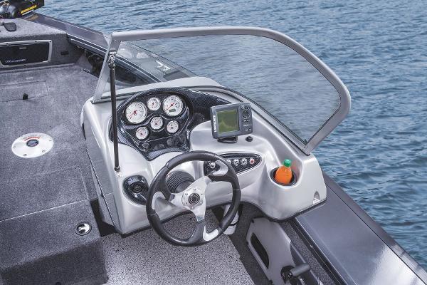 2015 Tracker Boats boat for sale, model of the boat is Targa V-18 WT & Image # 24 of 49