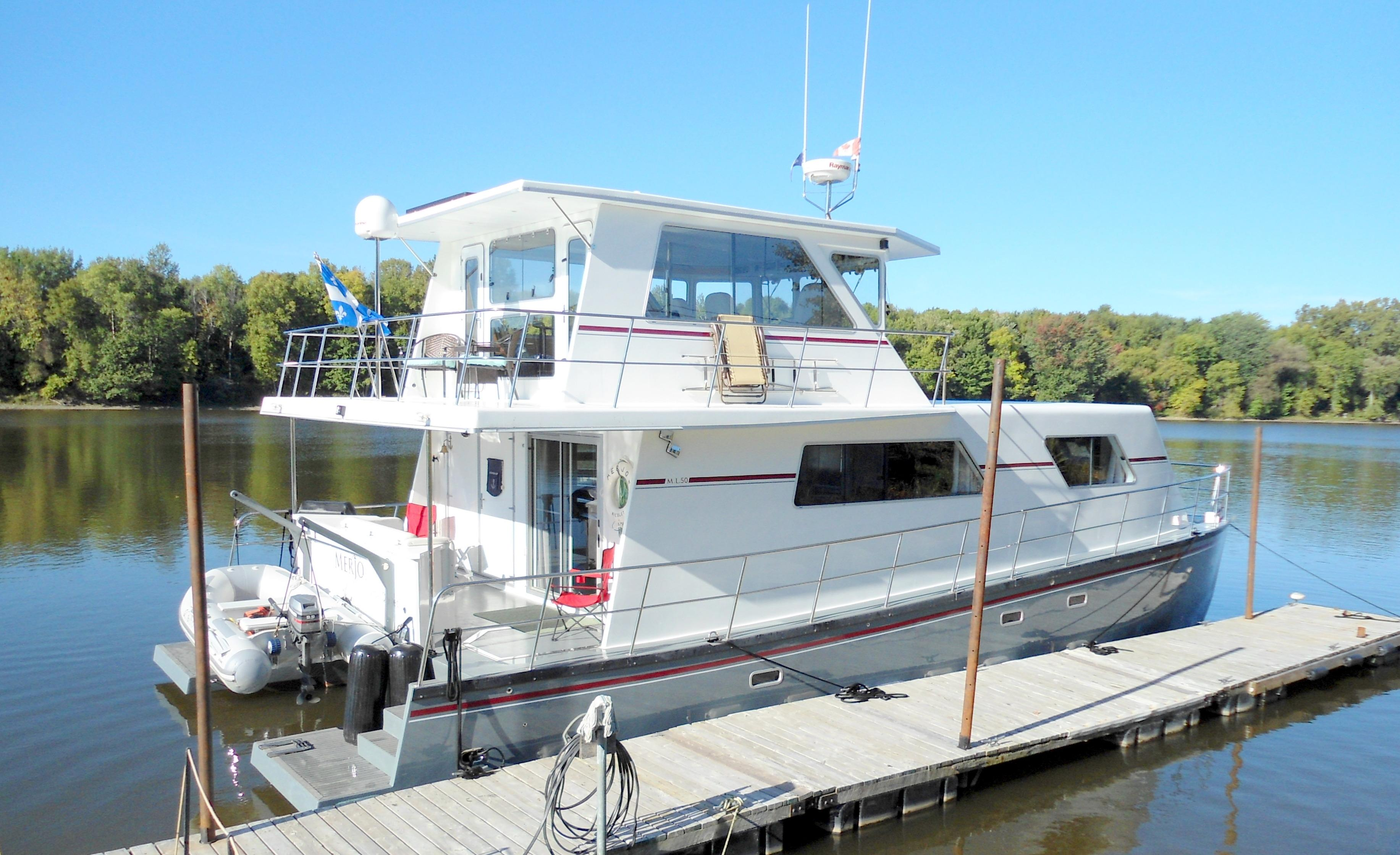 50' Power Catamaran 2014 Flybridge
