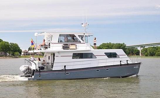 Flybridge Power Catamaran Set the Course For Adventure
