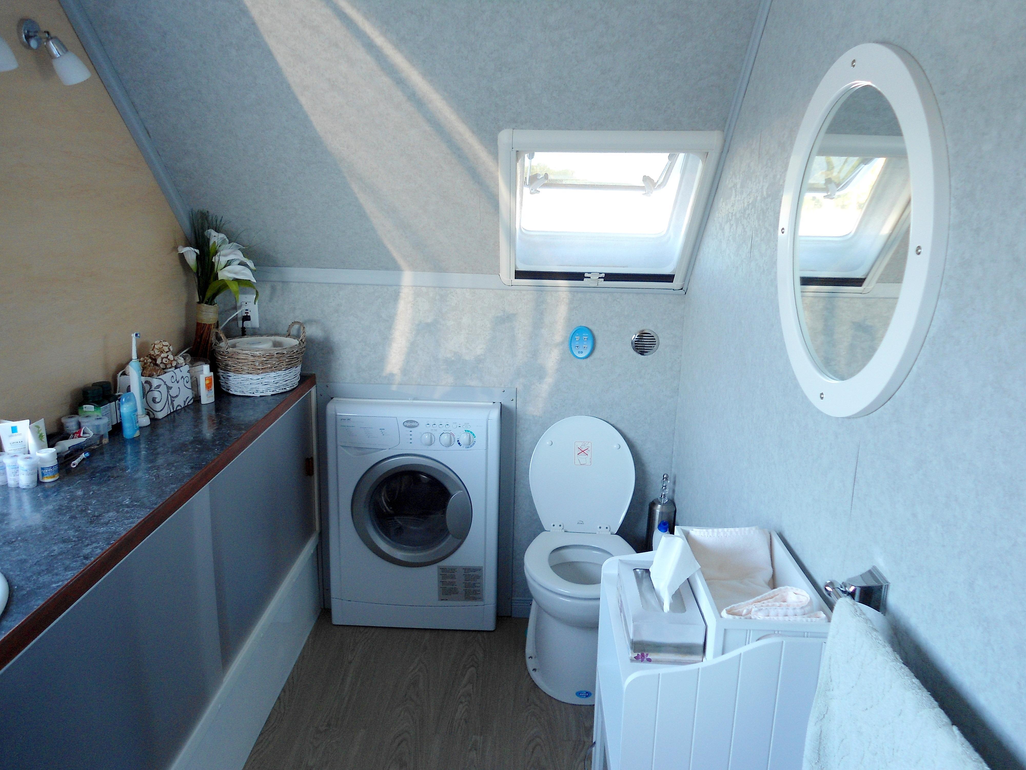Flybridge Power Catamaran Owners Head w/Washer-Dryer