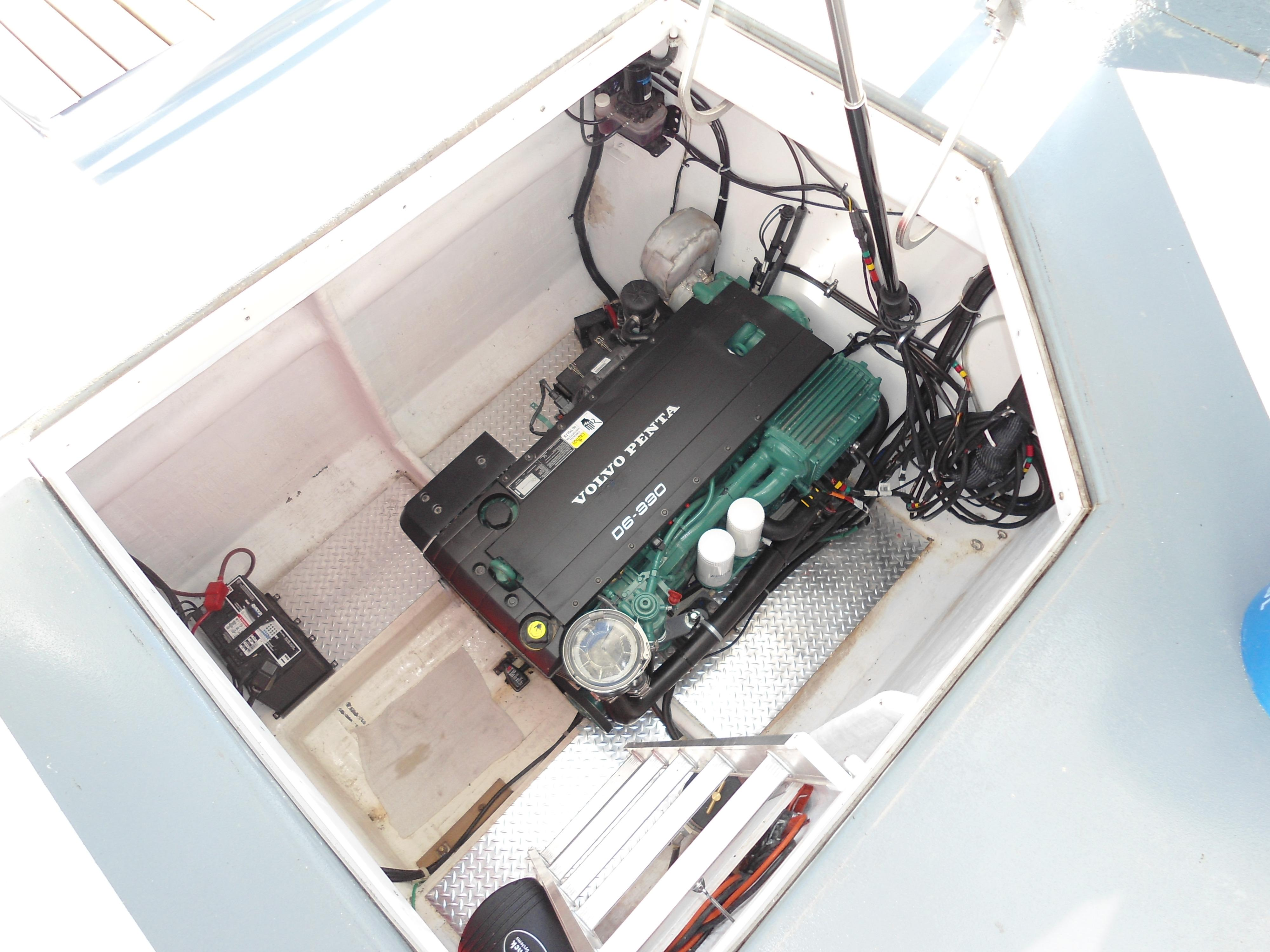 Flybridge Power Catamaran Engine Space