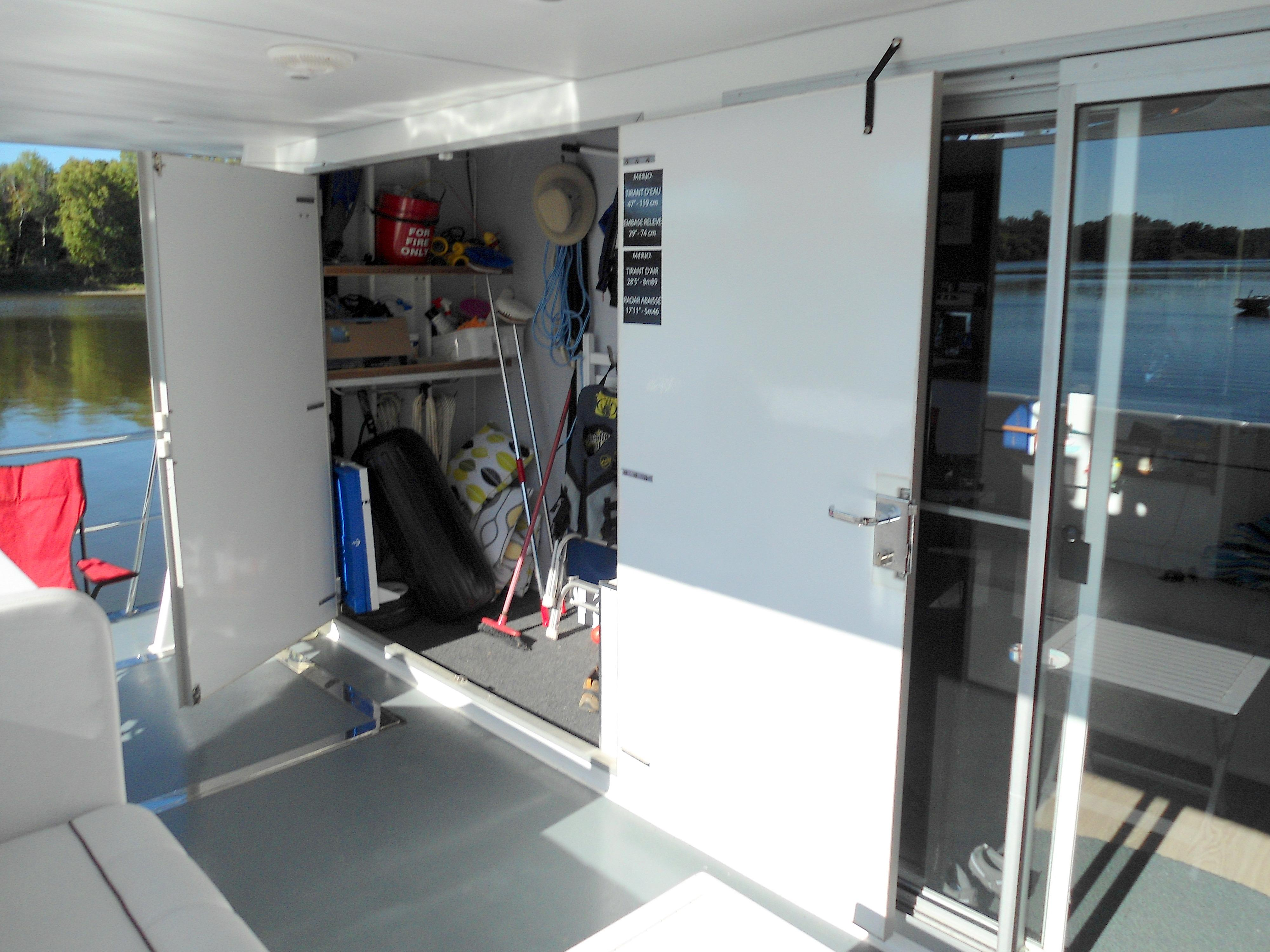 Flybridge Power Catamaran Storage & Salon Entry