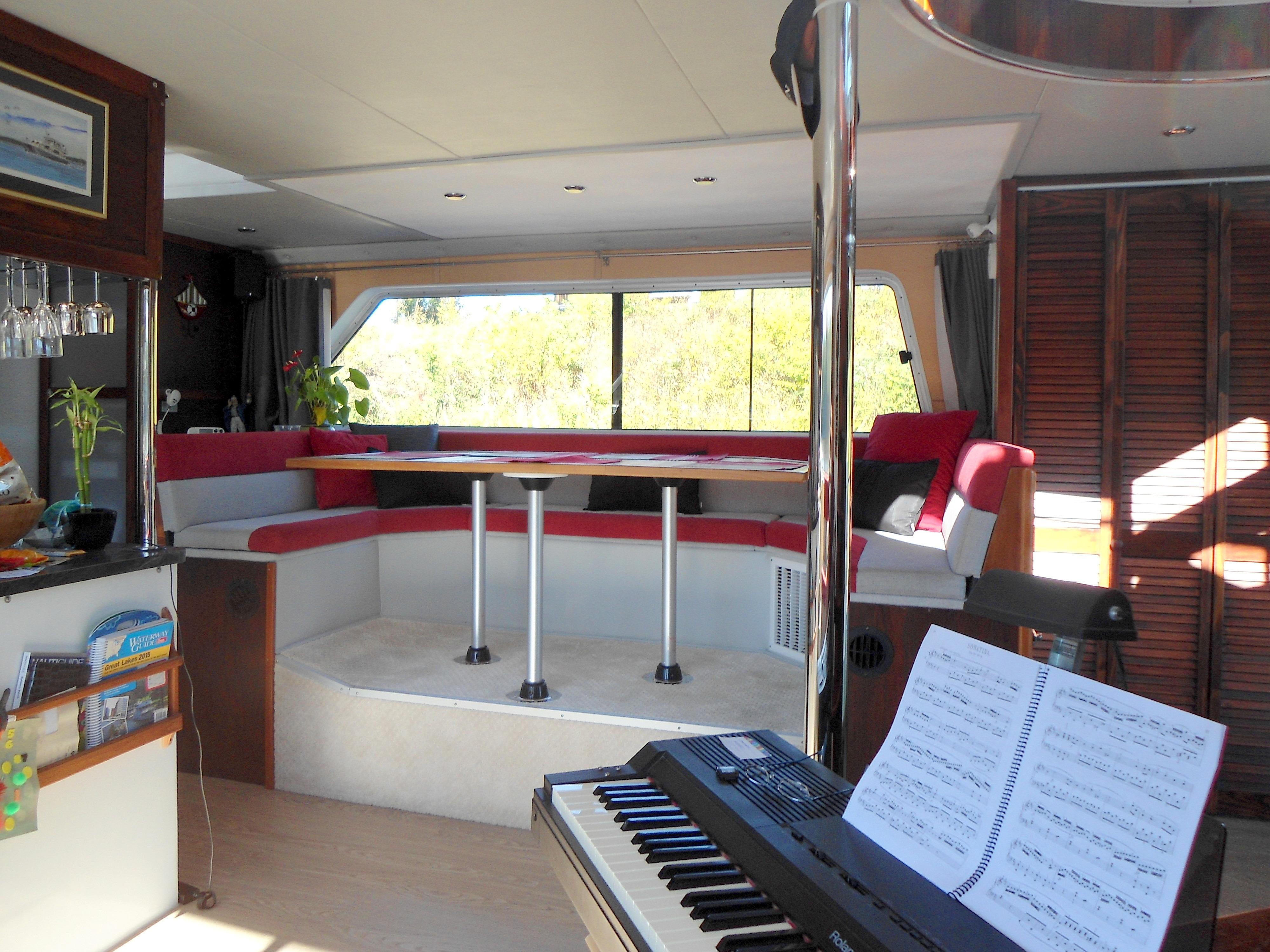 Flybridge Power Catamaran Stbd Side Settee
