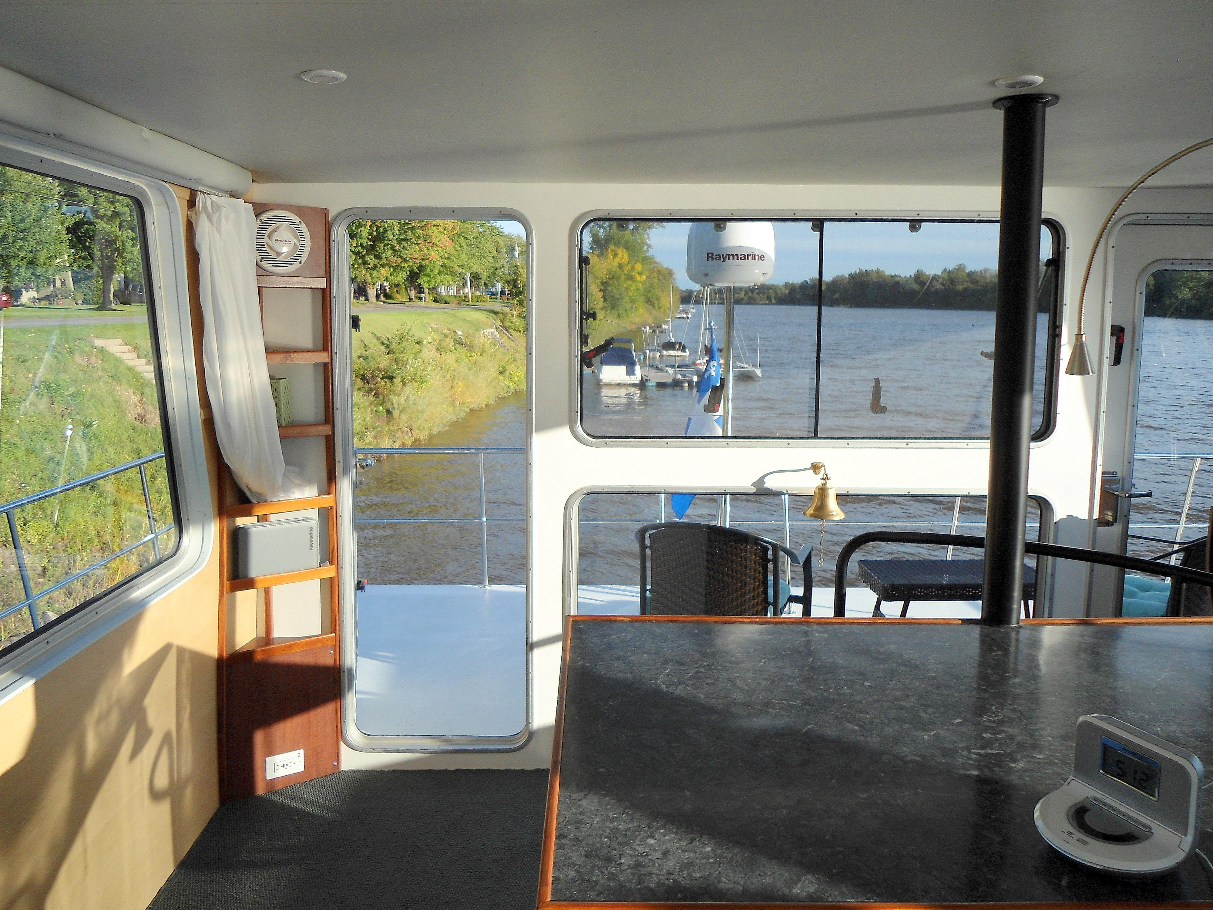 Flybridge Power Catamaran Flybridge Aft
