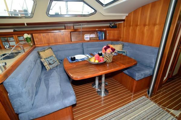 Hunter 44 Deck Salon Whitehawk