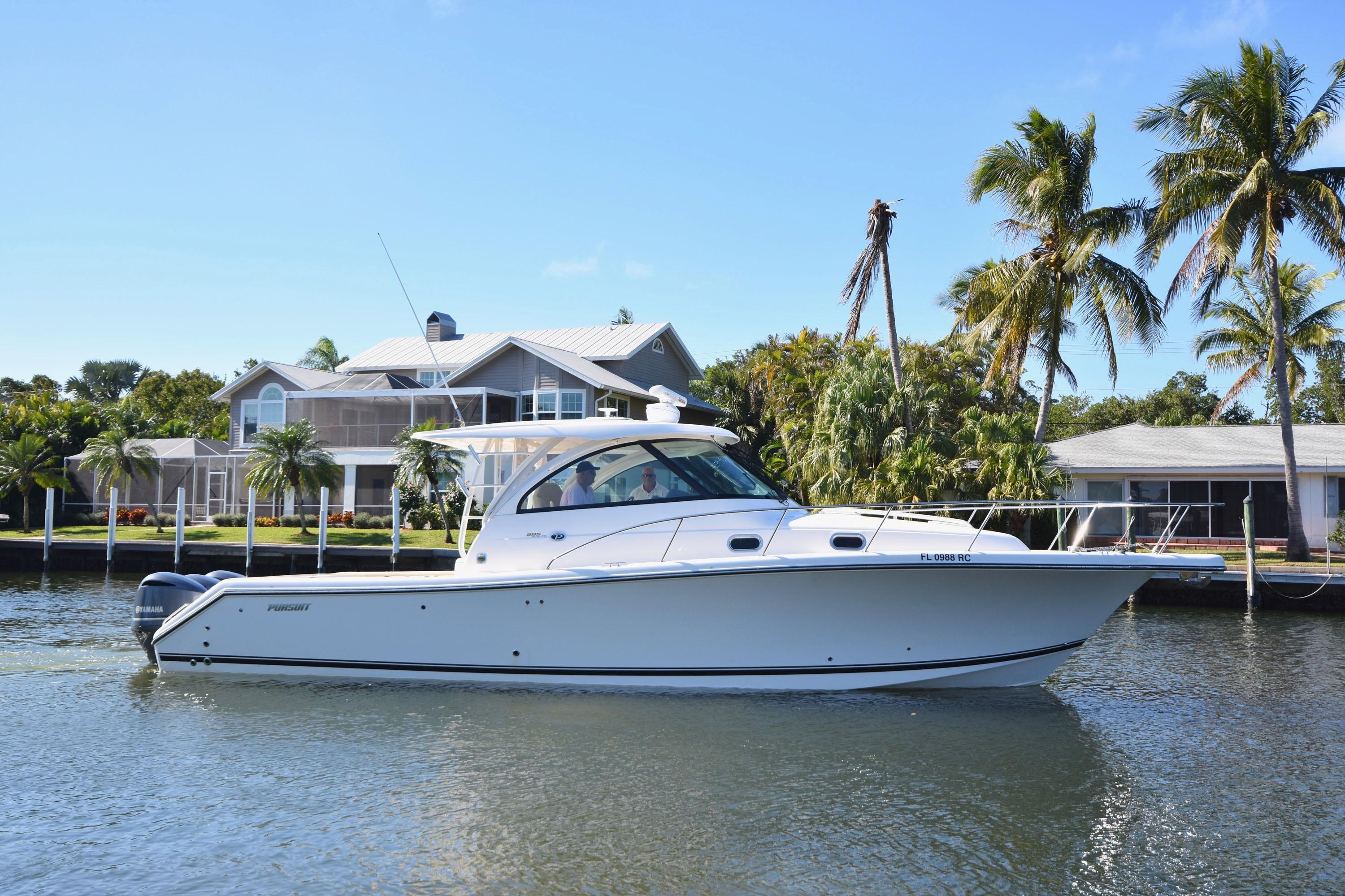 2016 Pursuit 385 Offshore