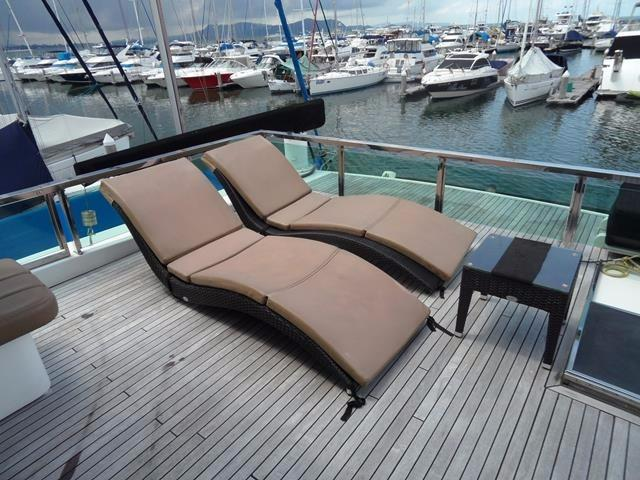 Removable furniture on flybridge