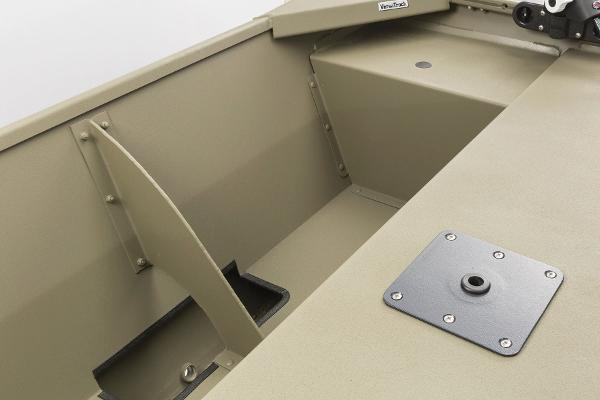 2015 Tracker Boats boat for sale, model of the boat is Grizzly 1648 Jon & Image # 7 of 14