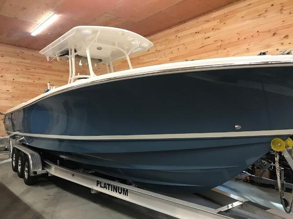 2013 EDGEWATER 318 CENTER CONSOLE for sale