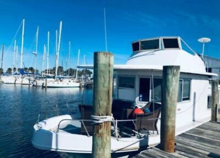 1978 SEA GOING HOUSEBOAT 50X13.5 for sale