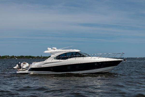 2013 45' Cruisers Yachts 45 Cantius