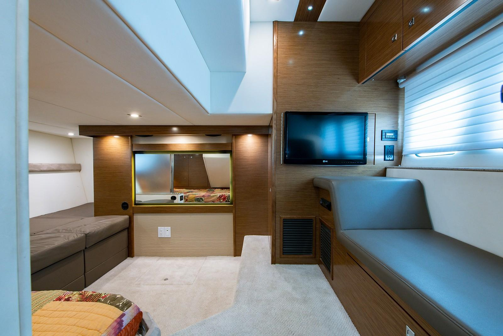 Guest Stateroom/Center Cabin