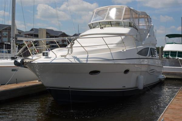 Silverton 43 Sport Bridge IPS (Stabilizer) Motor Yachts