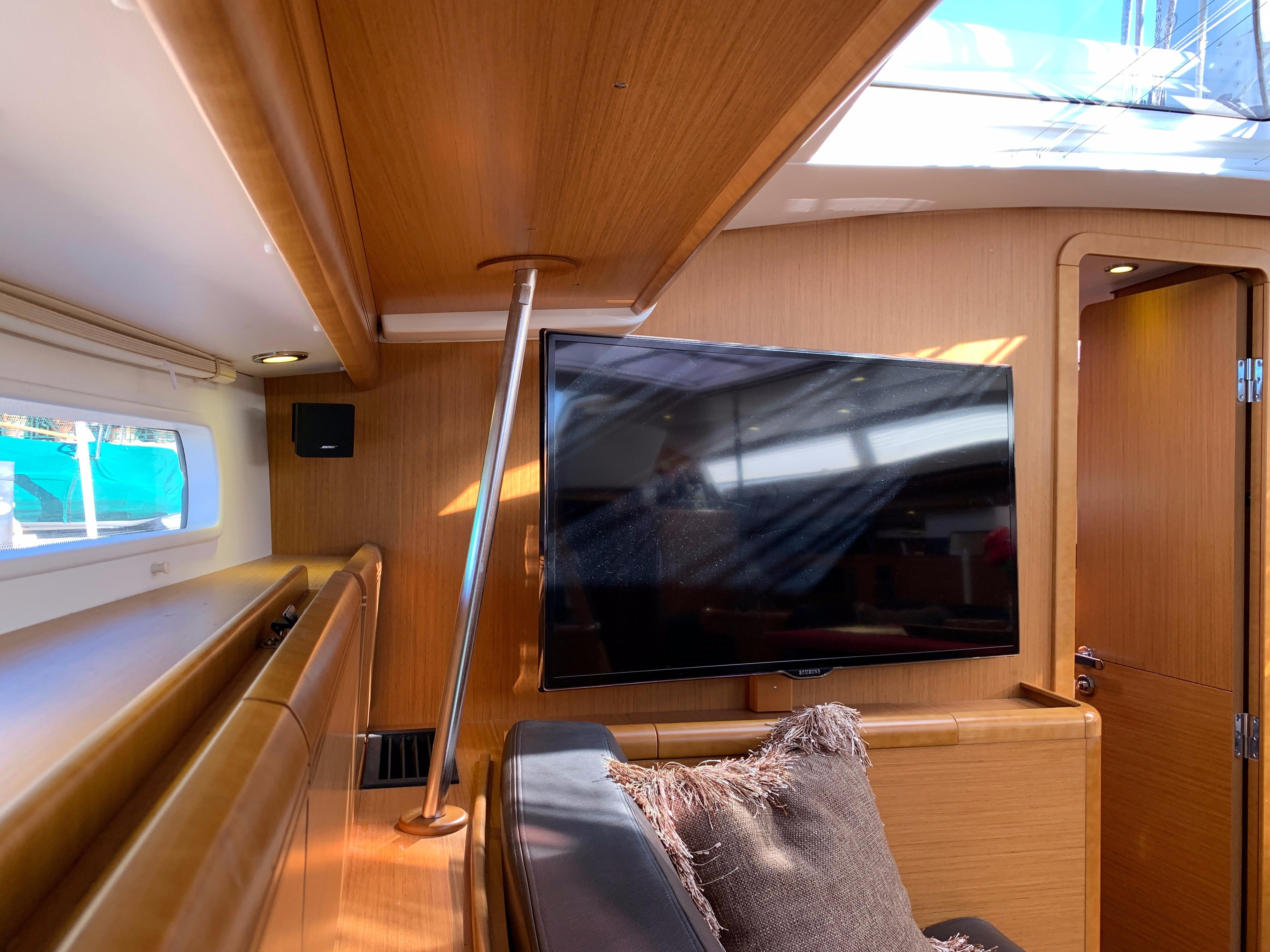 Wild Thing Jeanneau 2013 57 57 Yacht for Sale in US 4fc49688da70f