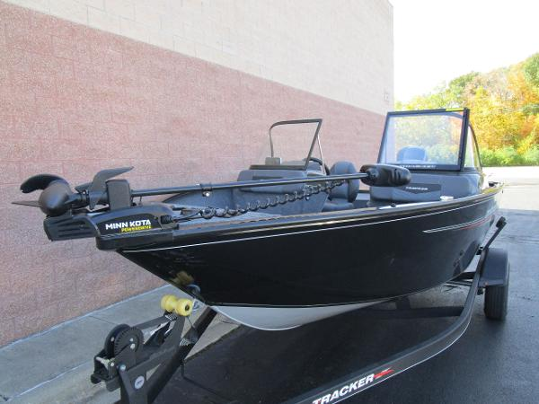 2021 Tracker Boats boat for sale, model of the boat is Pro Guide V-175 Combo & Image # 7 of 27